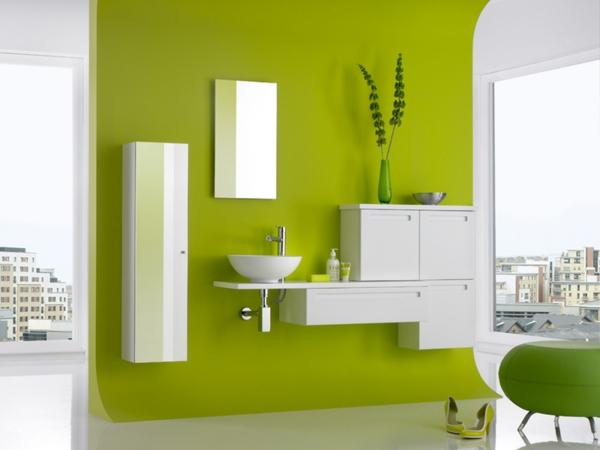 Cooles-Innendesign-mit-olivgrünem-Badezimmer-