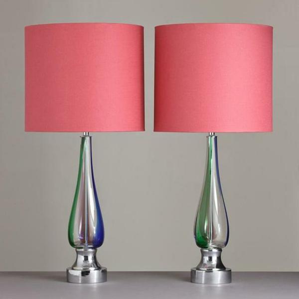 Designer-Tischleuchten-in-Koral-Farbe