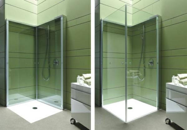 Dusche-mit-moderner-Kabine-aus-Glas-
