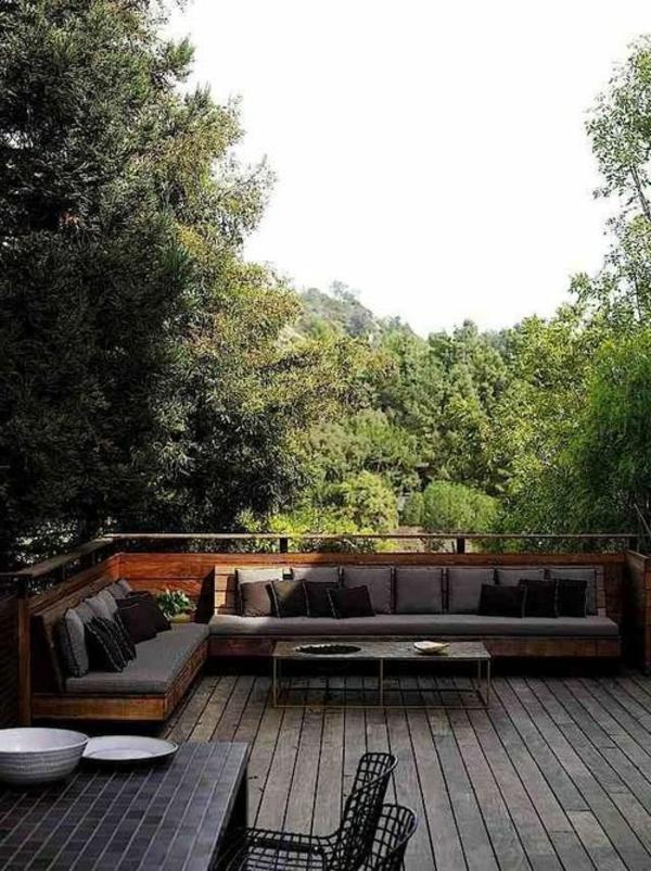 Eckbank-für-die-Terrasse-Holzboden
