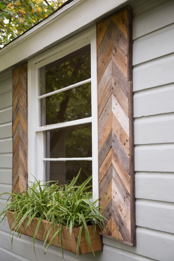 Fensterlaeden-aus-Holz-Exterior-Design-