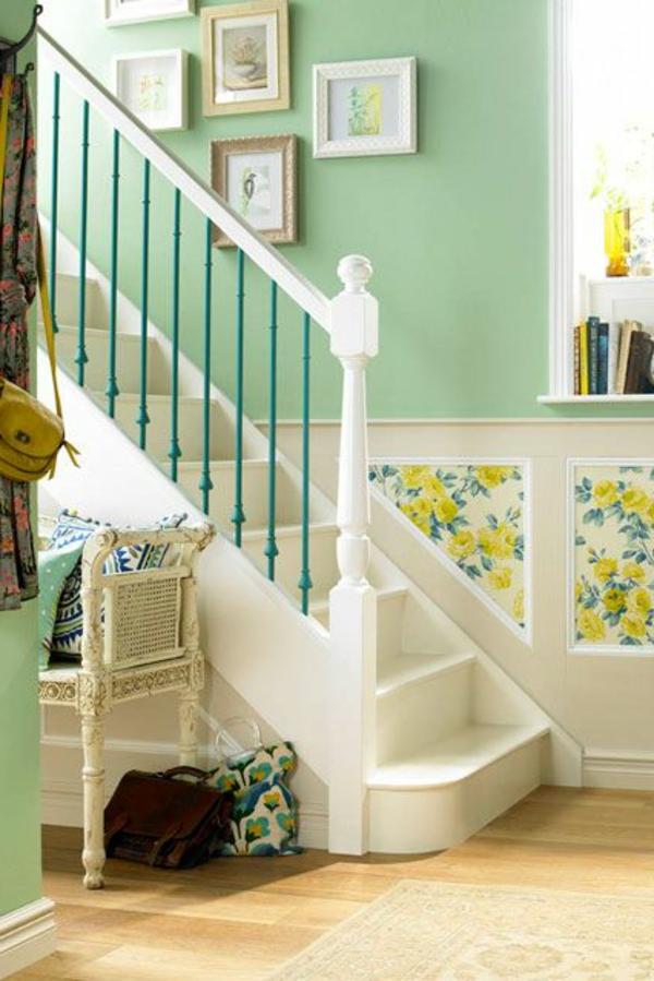 Flur Deko Grun : Pastellgrüne Farbe für die Wand im Flue