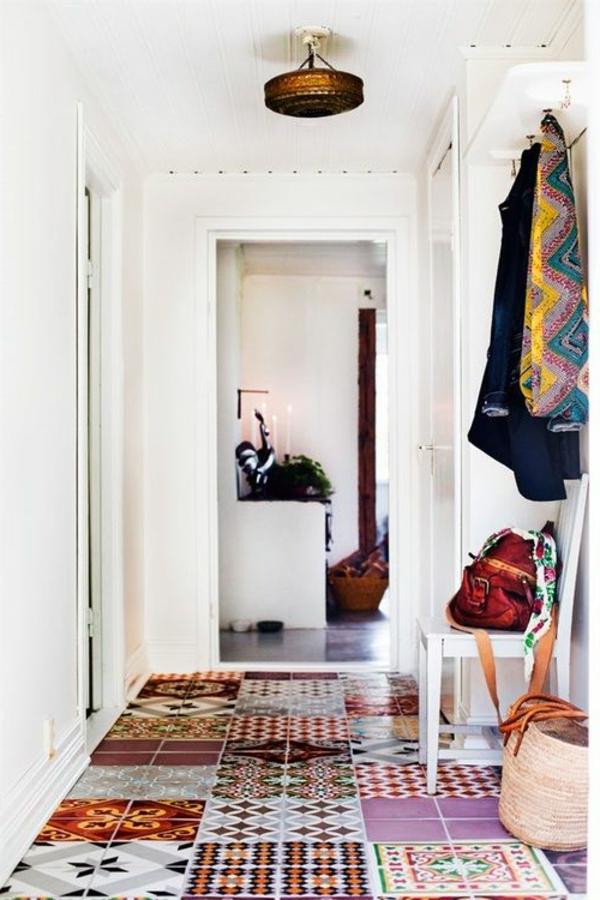 Flurgestaltung-Marokkanisches-Design-Fliesen-im-Flur