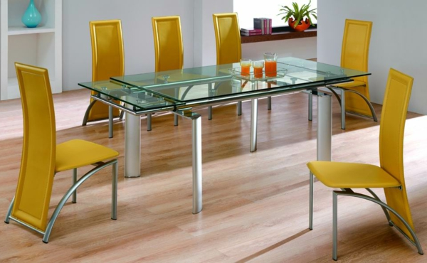 Glastisch-mit-gelben-Stühlen-Design