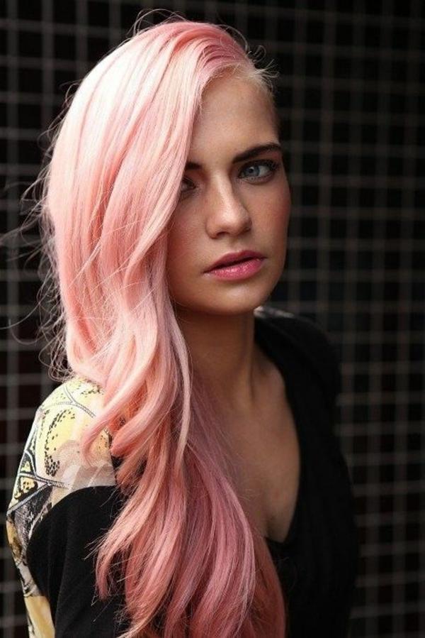 Haar-in-Rosa-effektvolle-Frisuren-für-Frauen