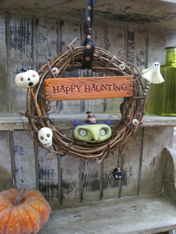 Halloween-Deko-selber-basteln-Kranz-auf-der-Tür-Halloween Dekoration selber machen