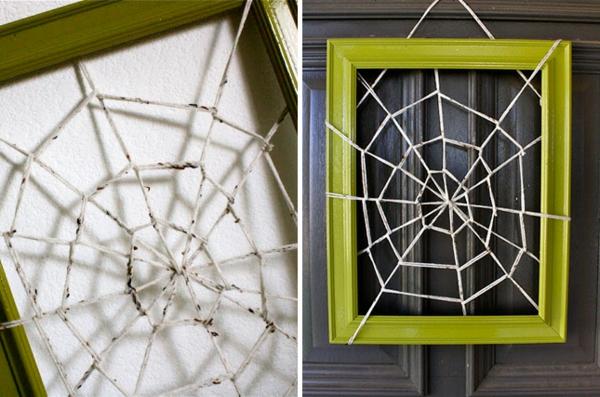 Halloween-Deko-selber-machen-Spinnennetz-im-Rahmen