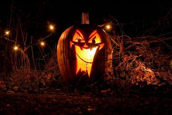 Halloween-Kürbis-ausschneiden-Deko-Ideen