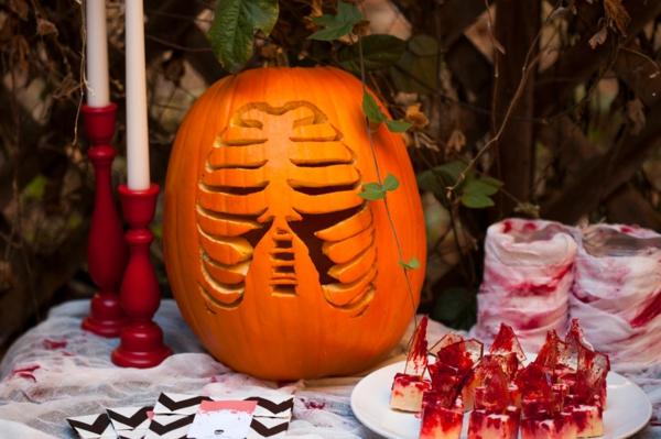 Halloween-Kürbis-basteln-Idee-Tischdeko