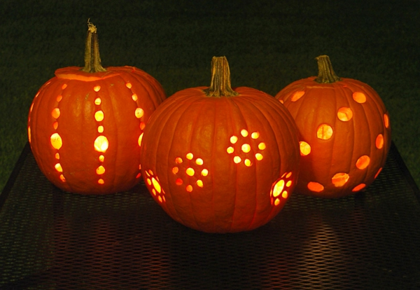 Halloween-Kürbis-schneiden-Idee