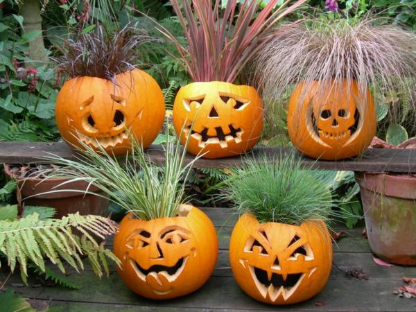 Halloween-Kürbis-schnitzen-Halloween-Gesichter-
