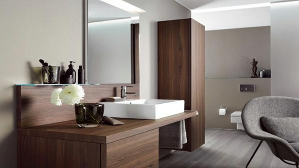 Hochschränke-für-Badezimmer-aus-Holz-