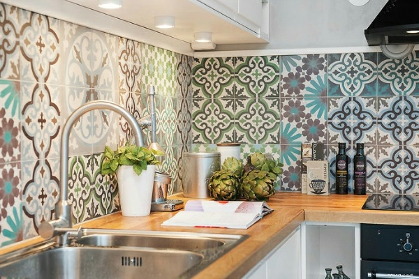 Küche-Wandgestaltung-Marokkanisches-Design-Fliesen-