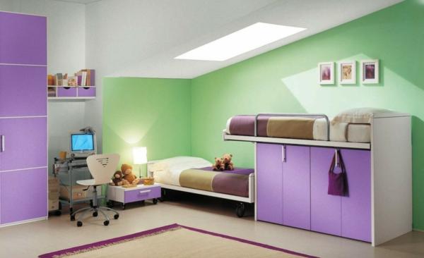 Kinderzimmer-Wand-.in-Grüntönen-und-Lila