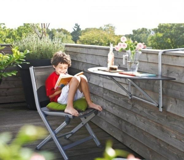 Klapptisch-Stuhl-Kreuzbeine-modern-stilvoll-originell-platzsparend-Balkon