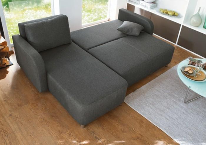 klassische-sofa-in-dunkle-grau-gestalten