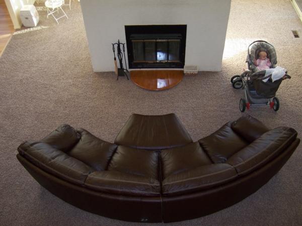 Ledersofa-Sofa-halbrund-Wohnzimmer-Design