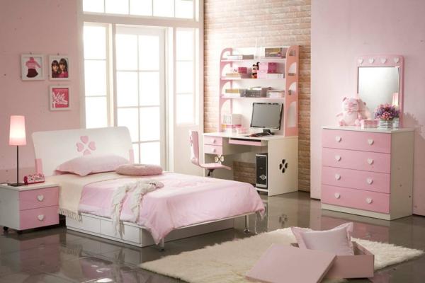 schönes Zimmer für Mädchen in Hellrosa