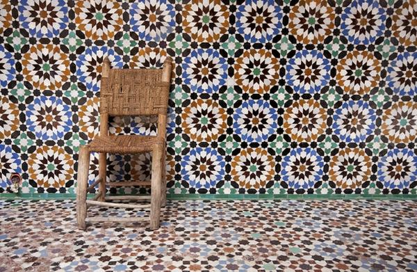 marokkanisches Design mit Fliesen