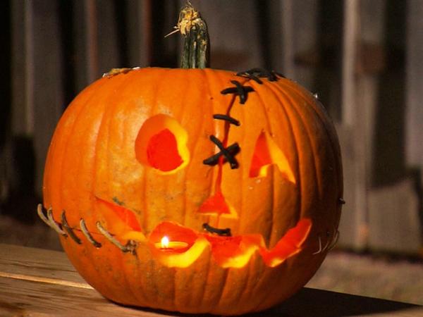 Originelle-Idee-Halloween-Kürbis-basteln-