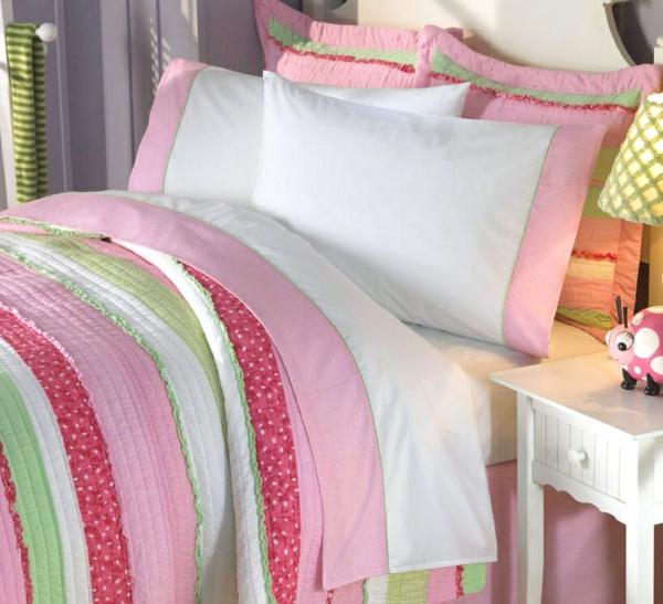 Schlafzimmer-in-Rosa-rosa--Bettwäsche