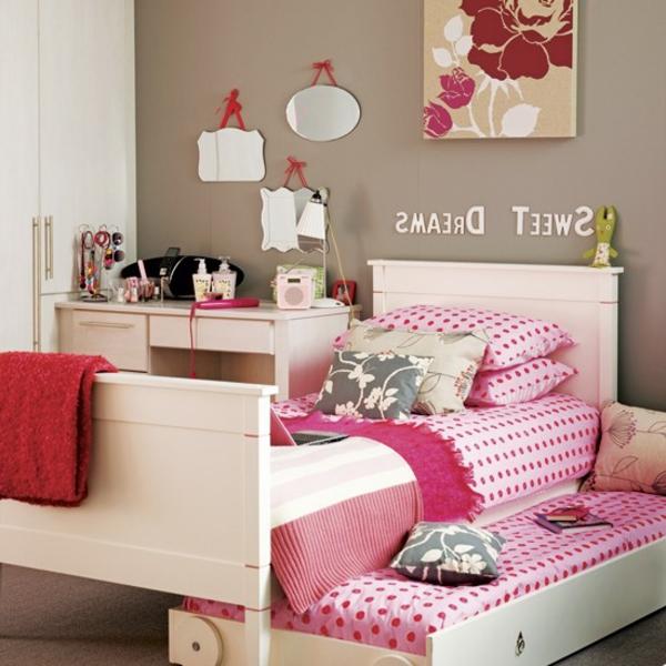 Schlafzimmer-in-rosa-Farbe-Bettwäsche