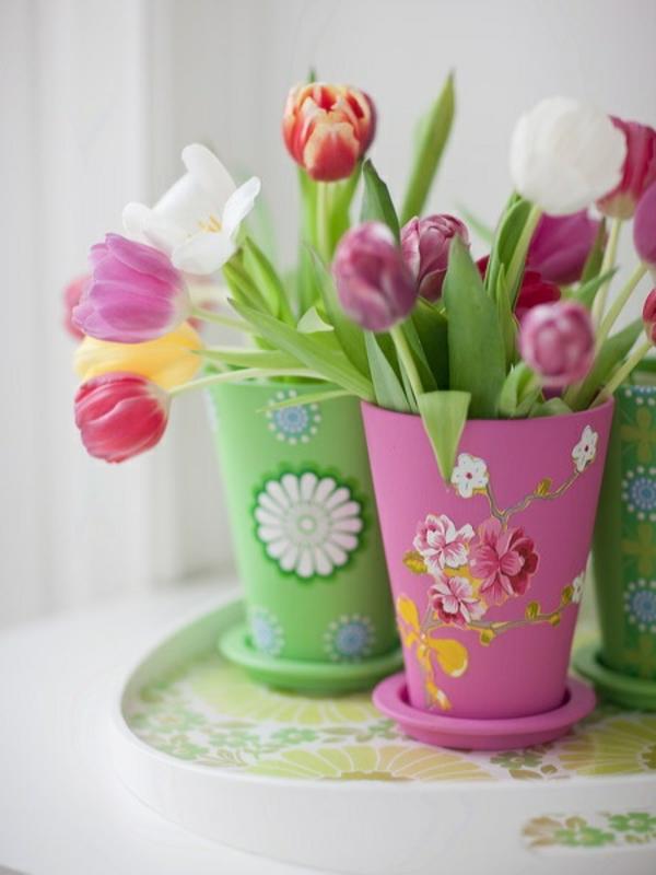 Tischdeko-mit-rosa-Tulpen