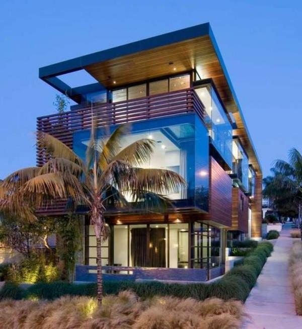 Traumhaus-mit--Glaswänden-