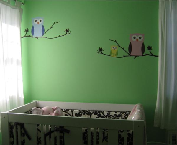 Wandgestaltung-Grün-im-Babyzimmer