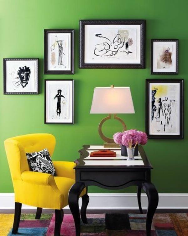 Wandgestaltung-in-Grün-im-Flur