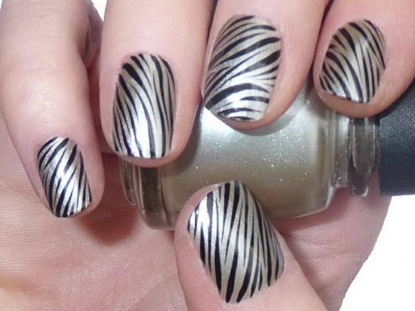 Weiß-Schwarz-Fingernägel-Design