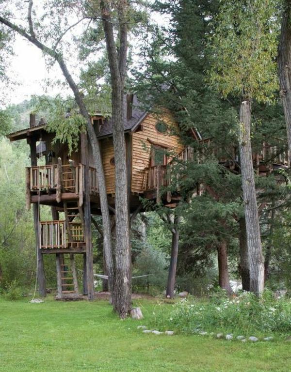 Wohnideen--Baumhäuser-im-Wald-