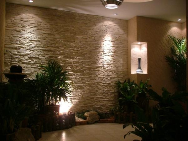 beleuchtete wandfliesen natursteinoptik im zimmer. Black Bedroom Furniture Sets. Home Design Ideas