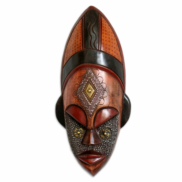 afrikanische-masken-weißer-hintergrund