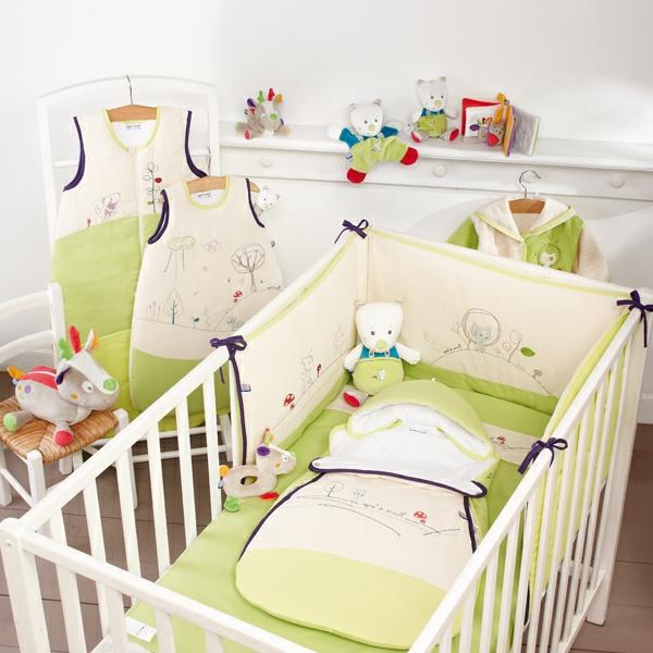 nestchen babybett in hellen farben