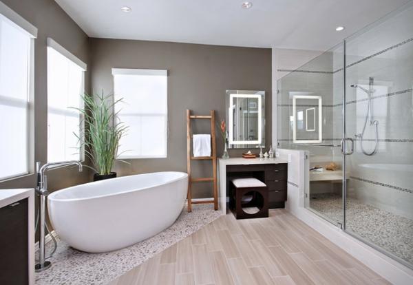 Modernes badezimmer inspirierende fotos for Bad fliesen ideen hell