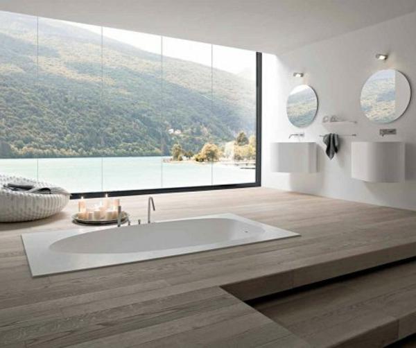 badezimmer fenster-im-luxuriösen-bad