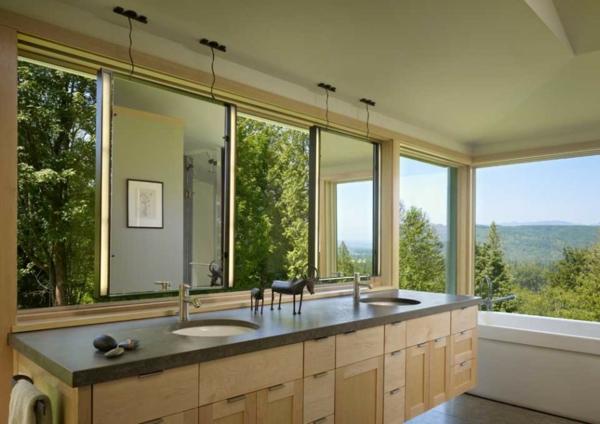 badmöbel-im-landhaus-stil-großer-spiegel