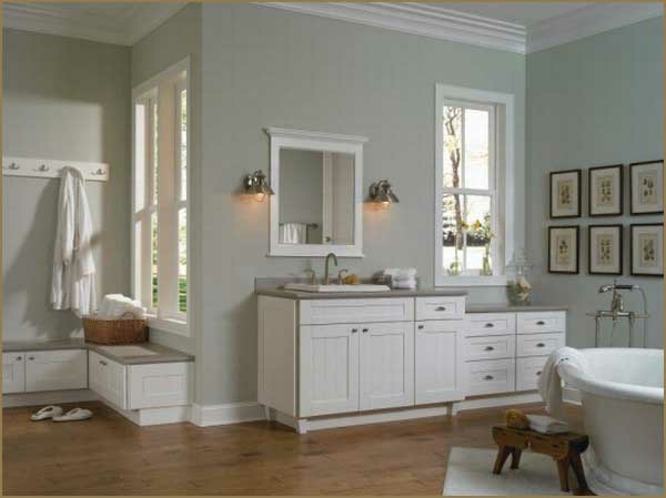 badmöbel-im-landhaus-stil-weiße-möbel