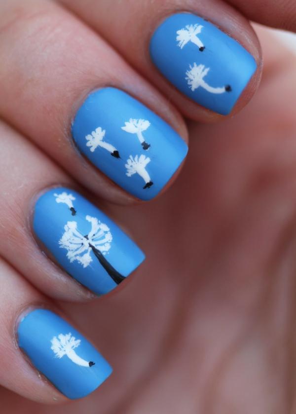 blaue-Nägel-Fingernägel-Design-Idee-Löwenzahn