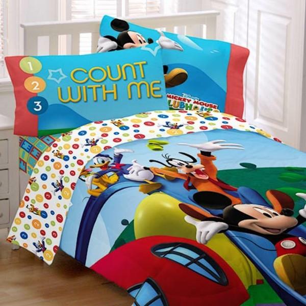 bunte-Bettwäsche-Mickey-Mouse-Kinderzimmer