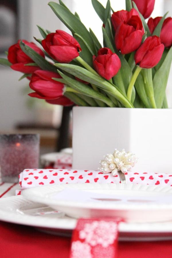 tischdeko für wohnzimmer:Tischdeko für wohnzimmer : 100 tolle Ideen für Tischdeko mit Tulpen!