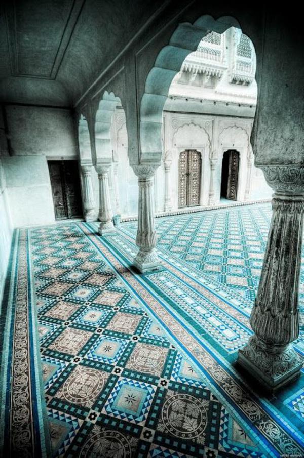 coole-Fliesen-mit- Marokkanischem-Design-Blau