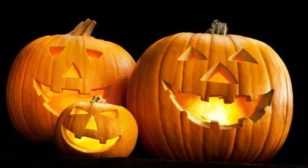 coole--Halloween-Kürbis-Gesichter-Deko-Idee