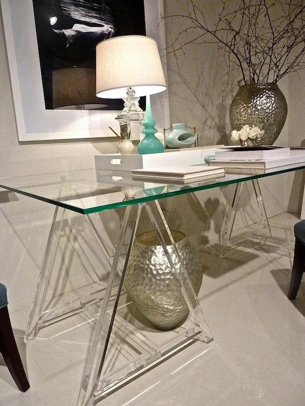 elegante-coole-Schreibtische-mit-Glasplatte