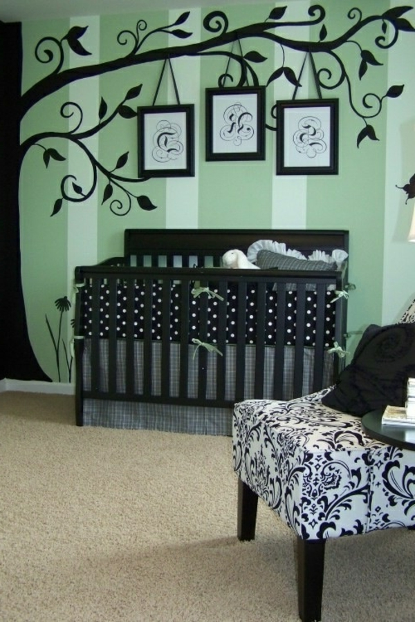 coole-Wandgestaltung-in-grüner-Farbe-Wandtattoo