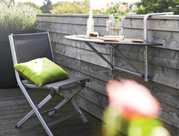 coole-balkon-möbel-ideen-hängetisch-frühstück-idee
