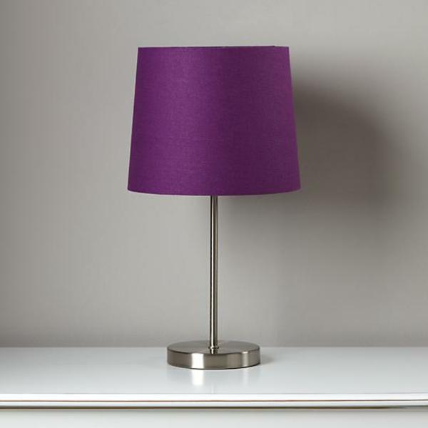 wunderbare-farbige-Tischlampen-in-Lila