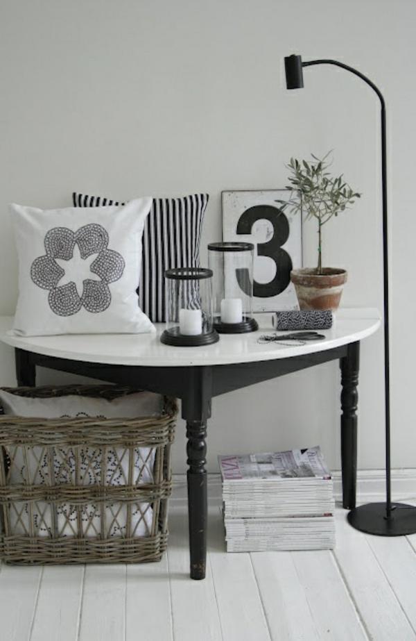 cooler-halbrunder-Tisch-schwarz-weiß-