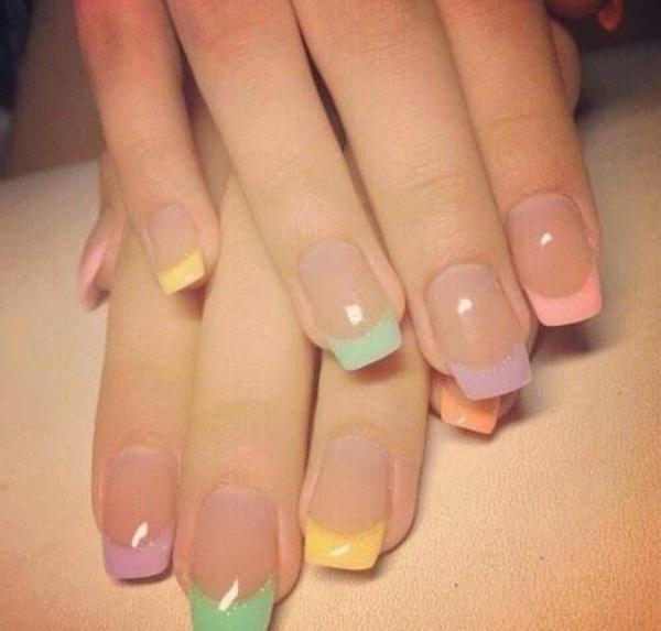 cooles-Fingernägel-Design-Pastellfarben